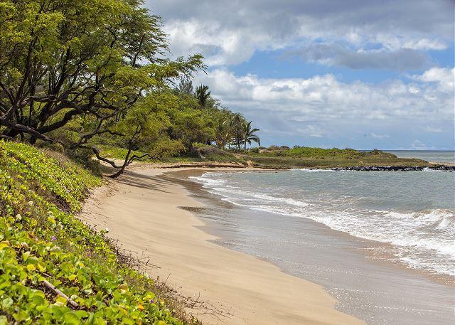 Waiohuli Beach Hale está en una playa de arena blanca