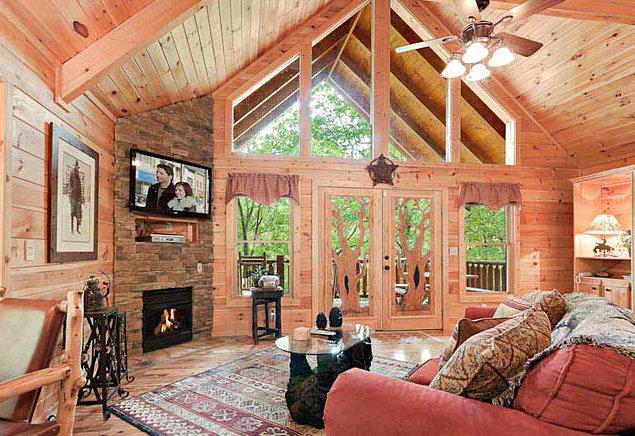 ROMANTIC LUXURY CABIN AT THE ENTRANCE OF GSMNP! AMAZING MOUNTAIN VIEW!, vacation rental in Pigeon Forge