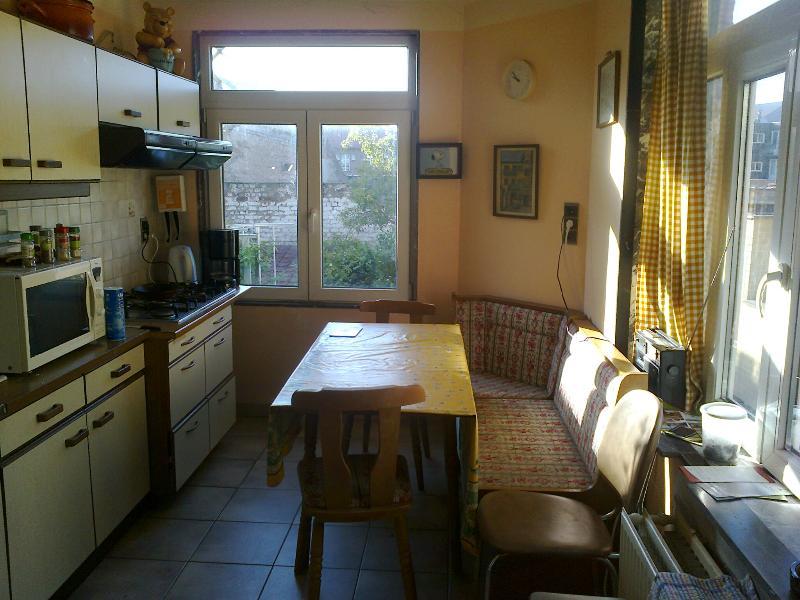 Gemeinsame Küche. Max. 9 Sitze.