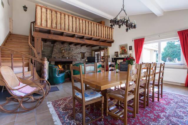 Le séjour le salon et la cheminée