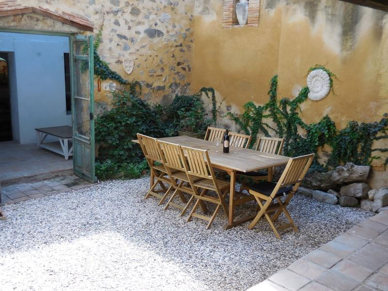 Large private courtyard