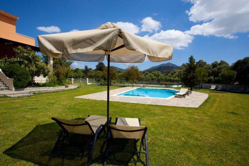 Villa Aurora. Live the cretan myth !