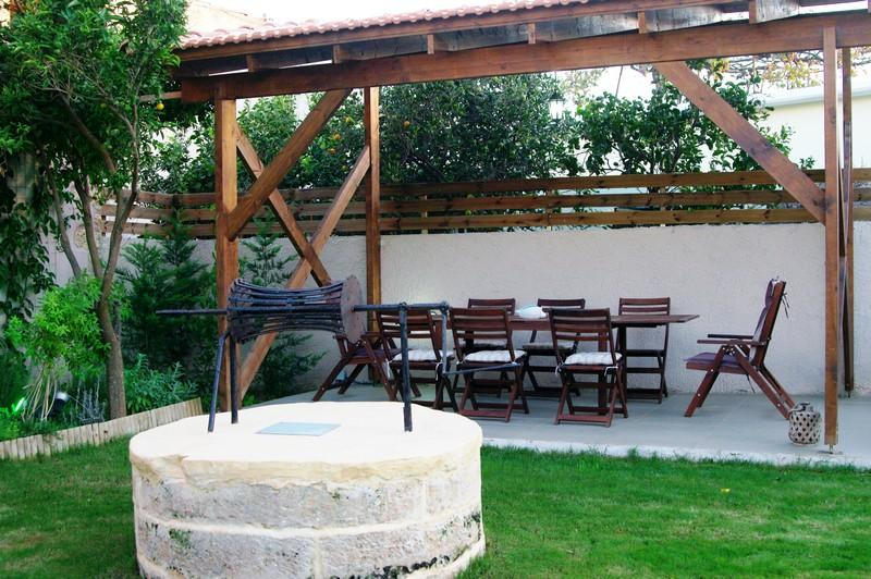 Second outdoor dining area next to the pool and garden!