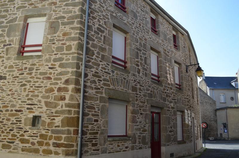 Bâtisse du 19ème siècle dans laquelle se trouve l'appartement