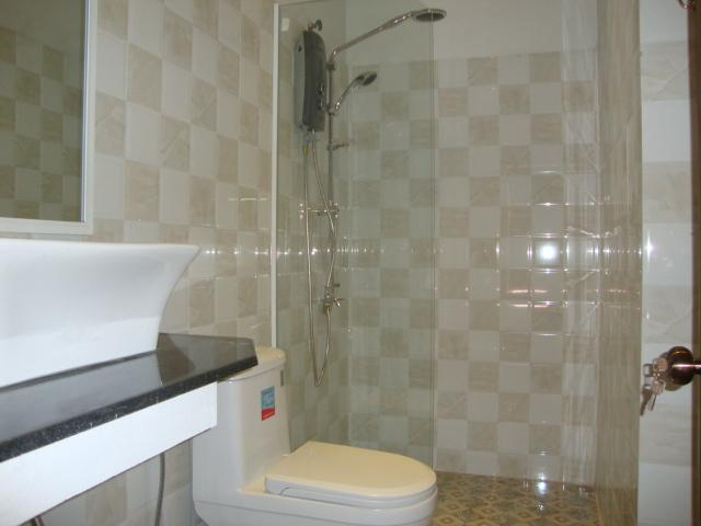 A large en-suite shower room add comfort to the stay.