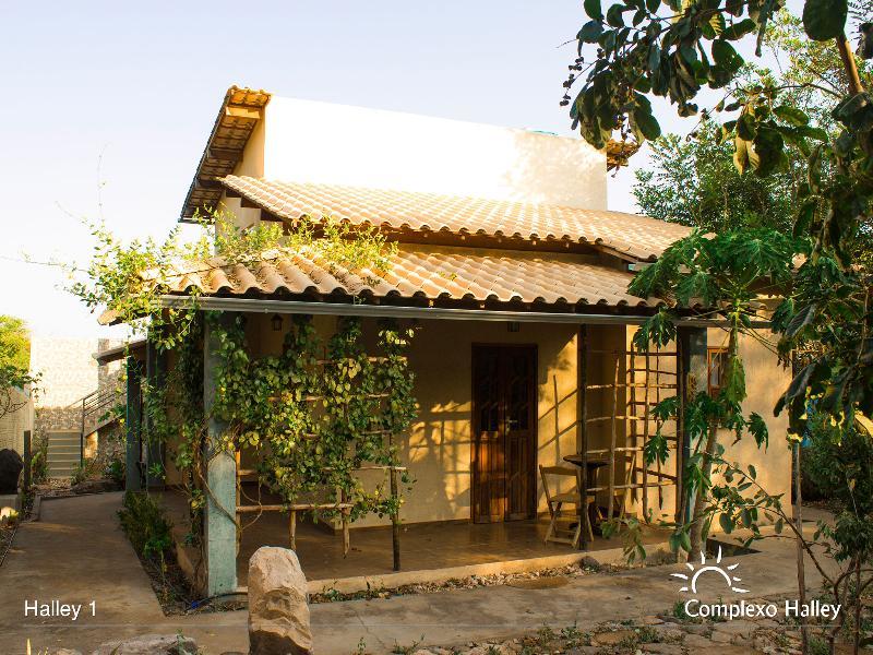 Halley 01 - Chalé para 02 pessoas, holiday rental in Andarai