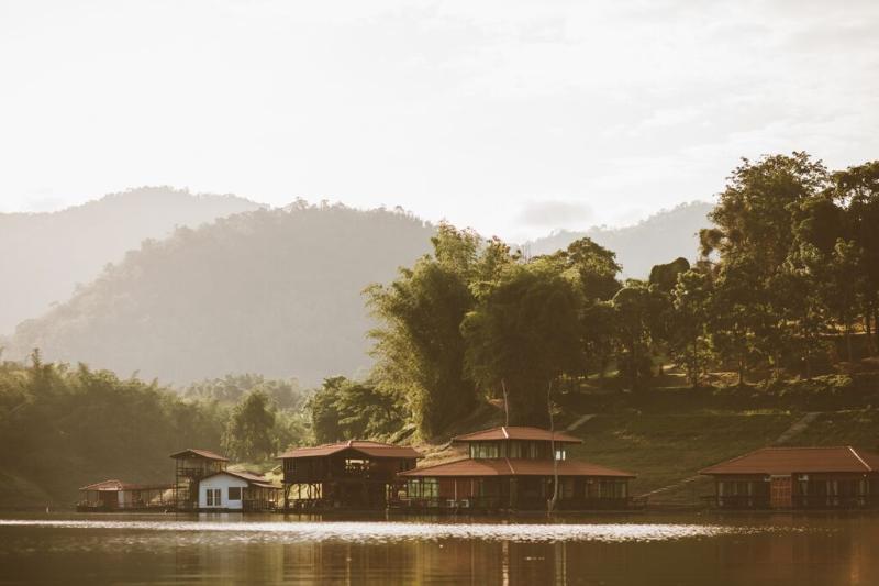 Kanchanaburi Resort Srisawat PufaEngnam Lake, holiday rental in Si Sawat