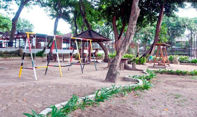 Facilities (Children play yard )