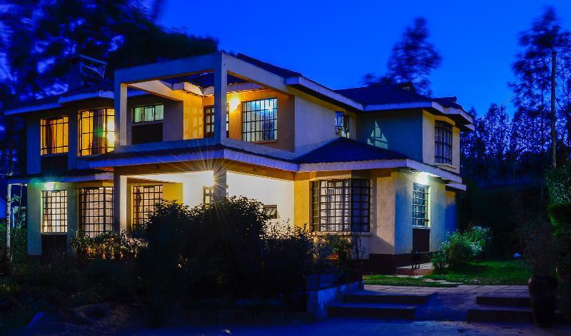 Kerarapony House By Night