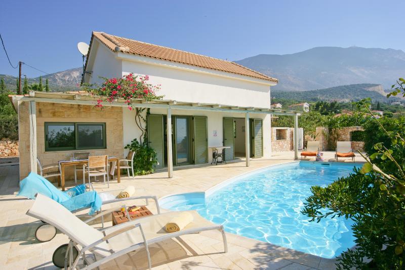Ideales Resort villa Petalida