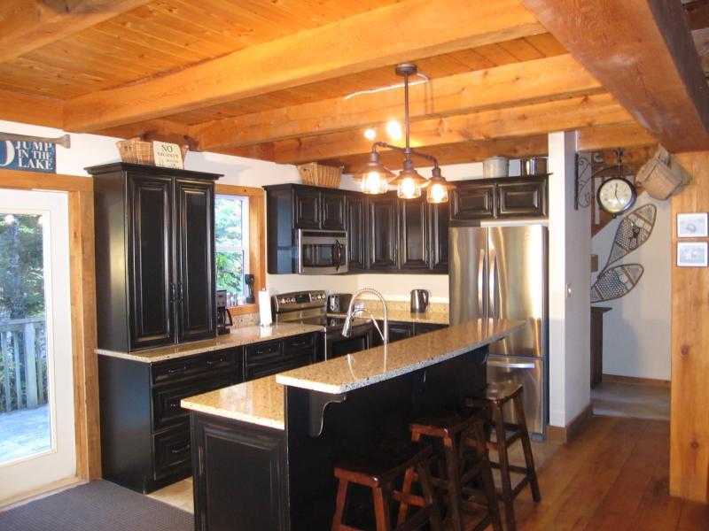 Granite kitchen with breakfast bar