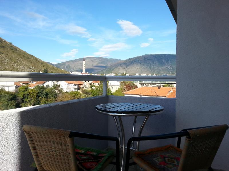 Villa SANJA, cozy and silent with beautiful view, location de vacances à Mostar