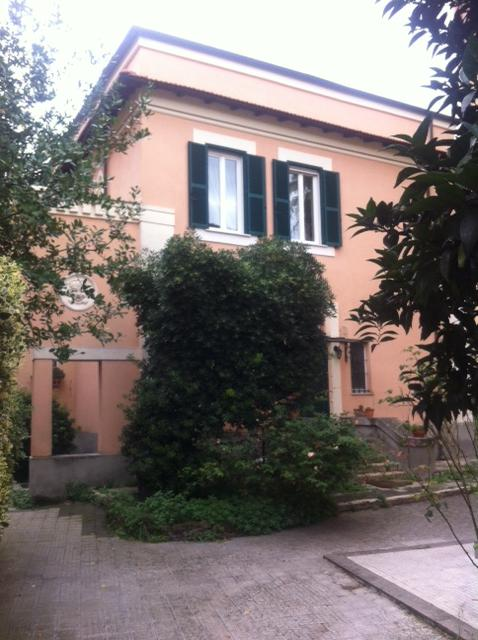 A Romantic Guest House at a Cheap Price, Ferienwohnung in Marco Simone