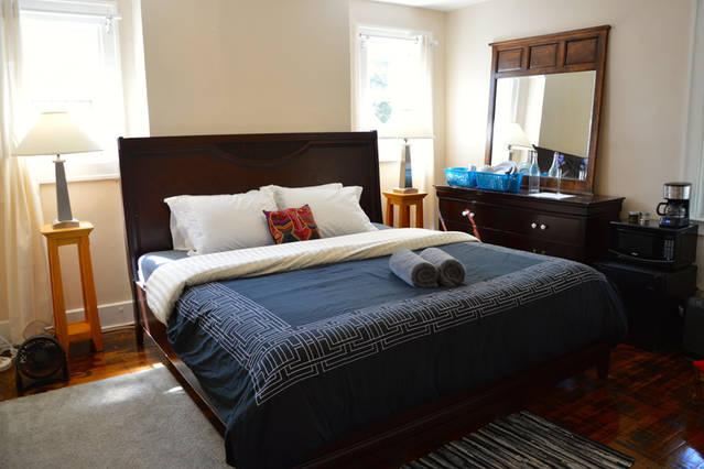 Your private bedroom: Comfy king memory foam bed & freshly laundered linens & towels. Fully stocked