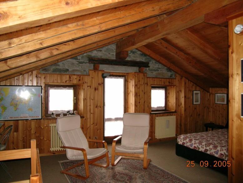 Case Di Montagna In Pietra : Uso non convenzionale di materiali tipici del luogo il nuovo