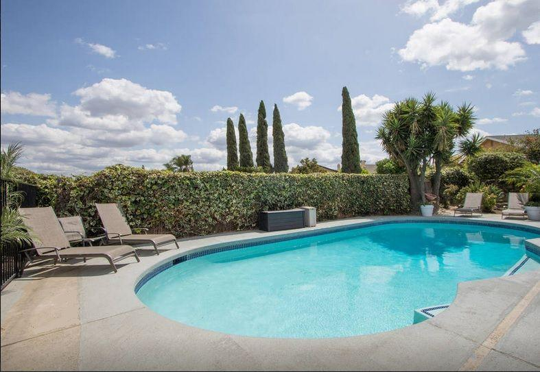Large pool with lots of privacy, sunshine and relaxation!