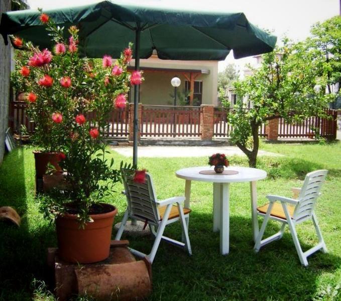 Last minute Villa climatizzata, WIFI, Etna-Catania, holiday rental in Santa Venerina