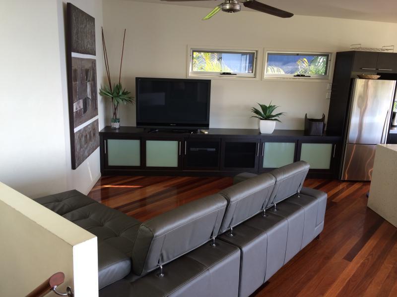Mid Level - Lounge Area