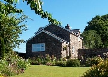 Clare's Cottage home from home in the country, vacation rental in Monmouthshire