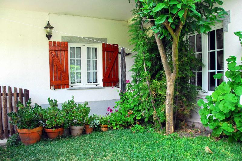 Entrada e jardim de entrada e jardim