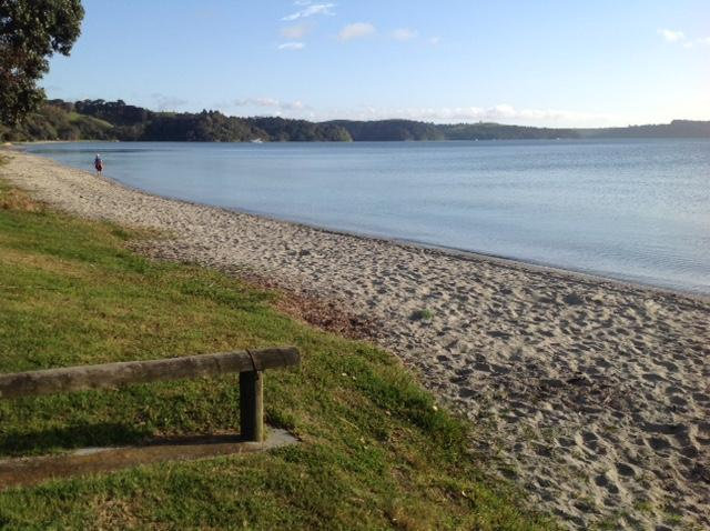 Snells Beach (5 min walk)