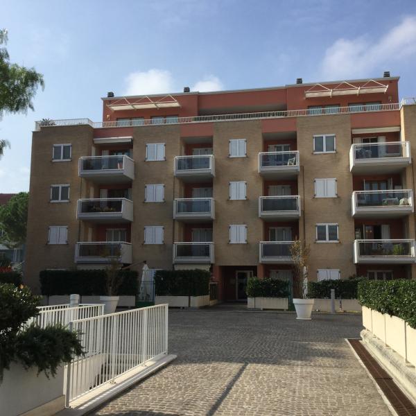 Cosmo Residens, holiday rental in Porto San Giorgio