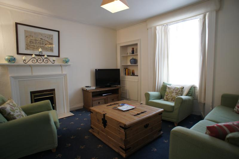 Lounge with flat screen television, DVD player and free WI-FI