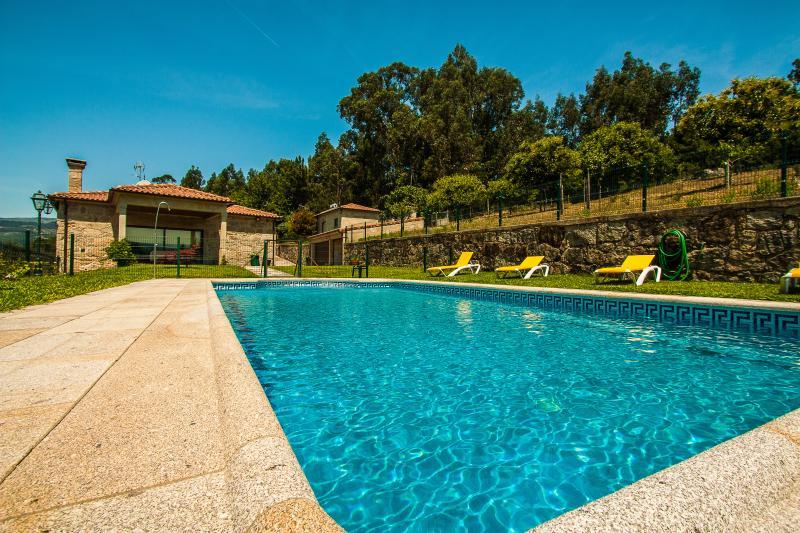 Casa Grande -  Quinta da Toural - Piscina - Campo, location de vacances à Arcos de Valdevez