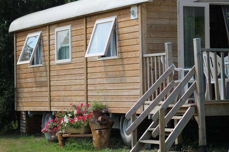 This trailer is a conjugation of the comfort of a House of 20 m² and the nature.
