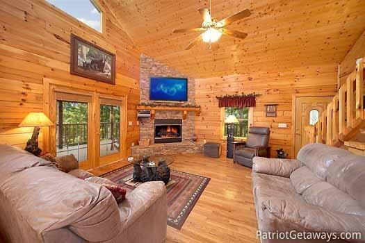 Living Room op Almost Bearadise