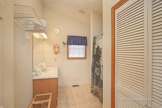 Bath with Shower at Mountain Manor