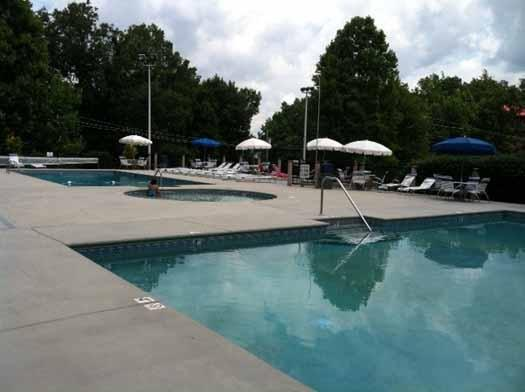 Resort Pool Access at Alpine Pointe