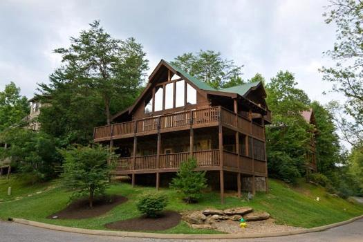 Exterior View at Mountain Music
