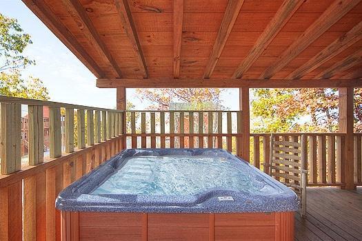 Bañera de hidromasaje en Hickernut Logia