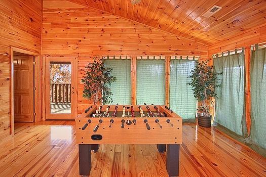 Tercer piso para sala de juegos en Hickernut Logia