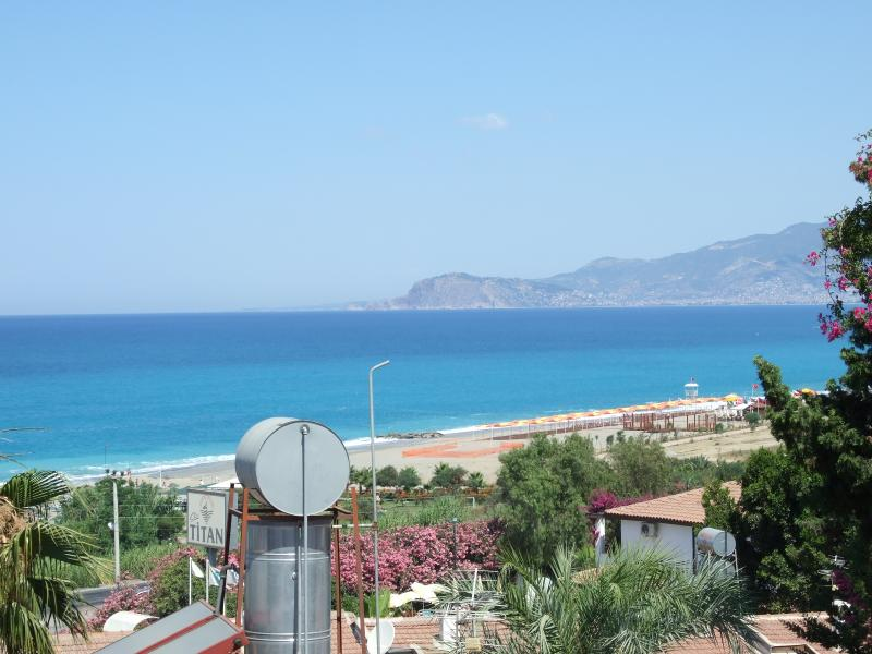 Seaview flat in historic Alanya Turkey, holiday rental in Konakli