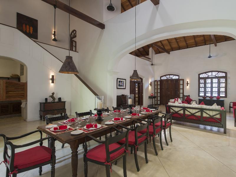 No. 39 Galle Fort - Formal dining table