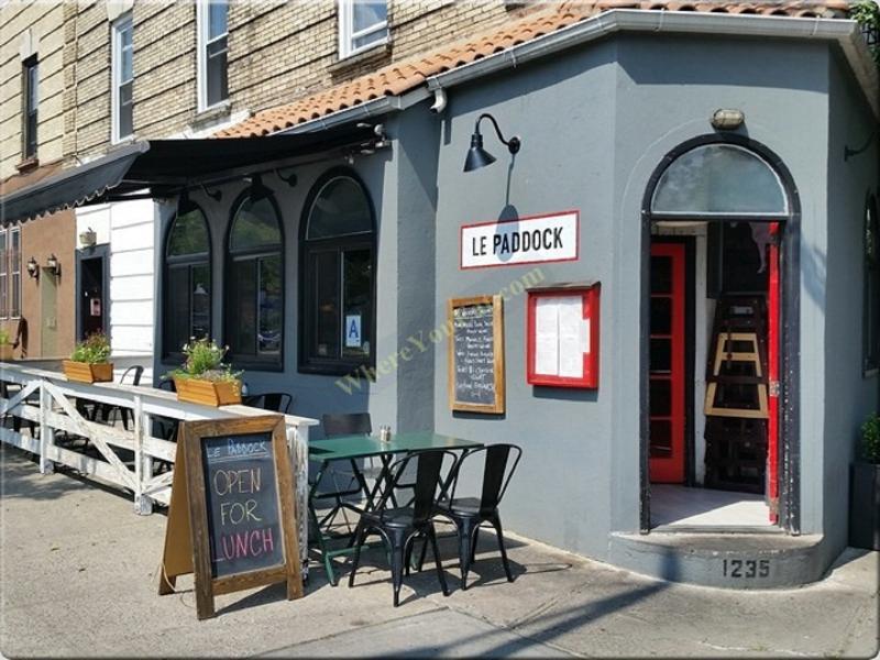 Underbar kritikerrosade restauranger inom 7 minuters promenad