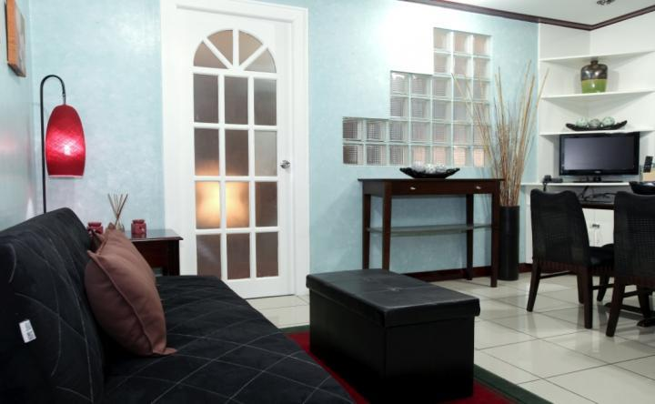 1 BR Robinsons Place Residences - RPR04, holiday rental in Manila