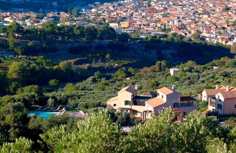 ELIATHOS RESIDENCE HOUSES, vacation rental in Vasilies