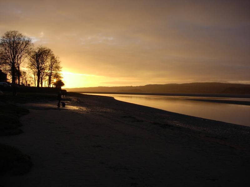 Puesta de sol sobre la ría de Kent