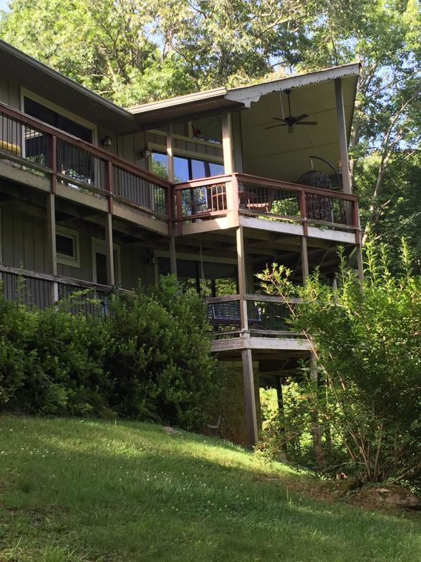 view of the wonderful decks