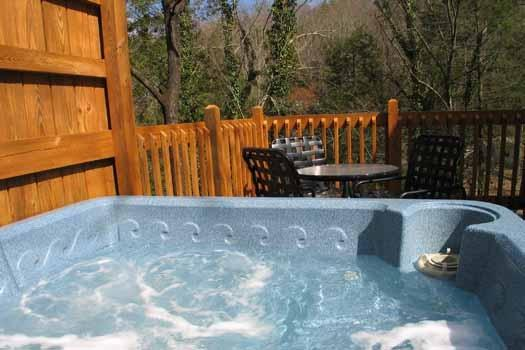 Hot Tub at Cuddle Inn