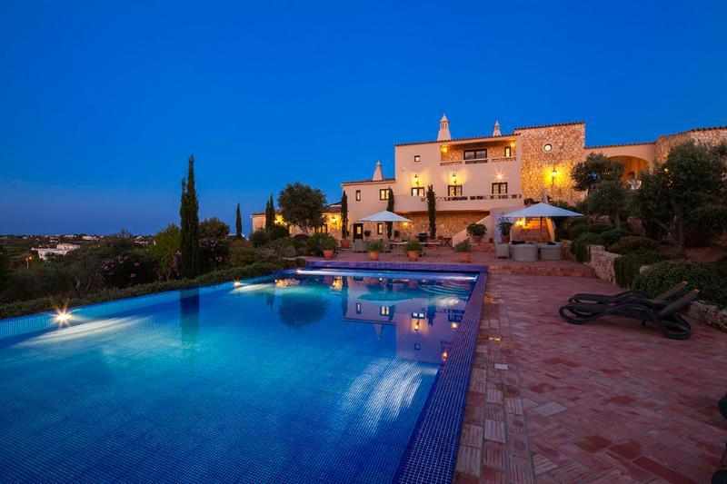 Quinta dos Sonhos  - Stunning 5 Bedroom Villa with Enormous Pool., holiday rental in Carvoeiro