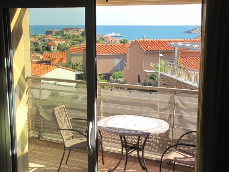Apartment in Collioure with seaview and shared pool, location de vacances à Collioure