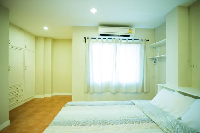Bedroom studio on the 3rd floor.