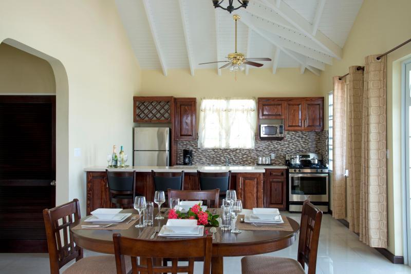 Kitchen/ Dining - Deluxe Villa