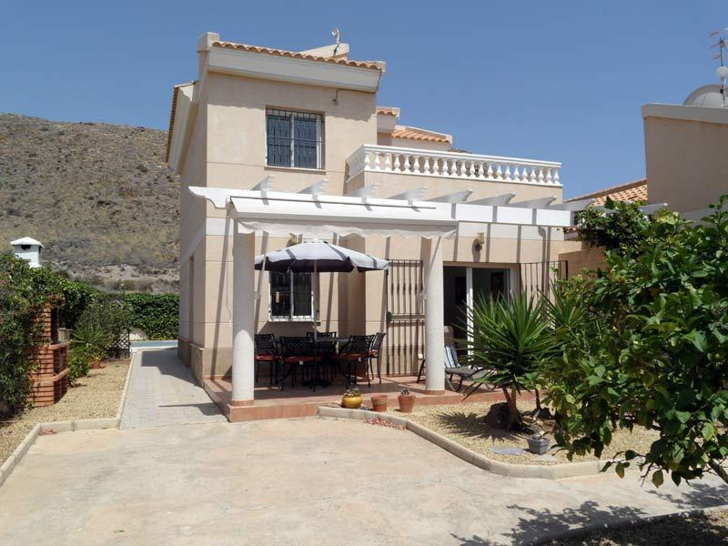 Casa Dora, detached villa with private pool, secure gardens, off road parking. WIFI, Airco etc