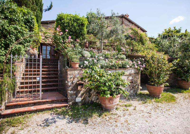 Le Scalette, Enchanting 3 Bedroom Villa in Tuscany, holiday rental in San Vincenzo A Torri