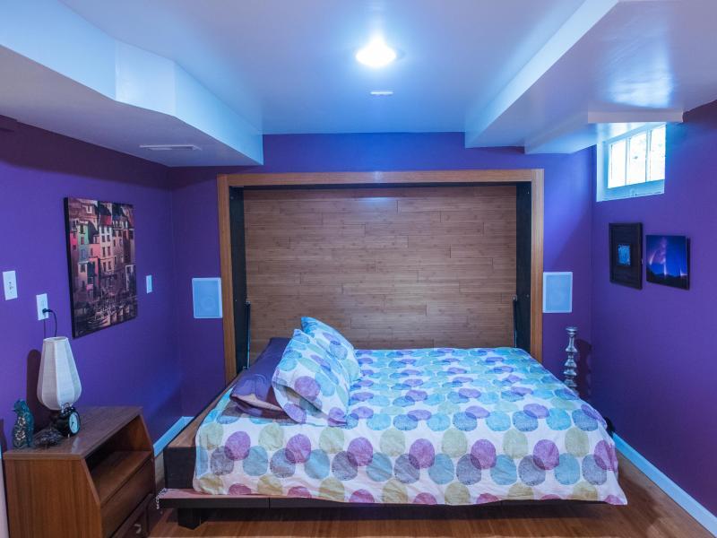 The murphy queen bed